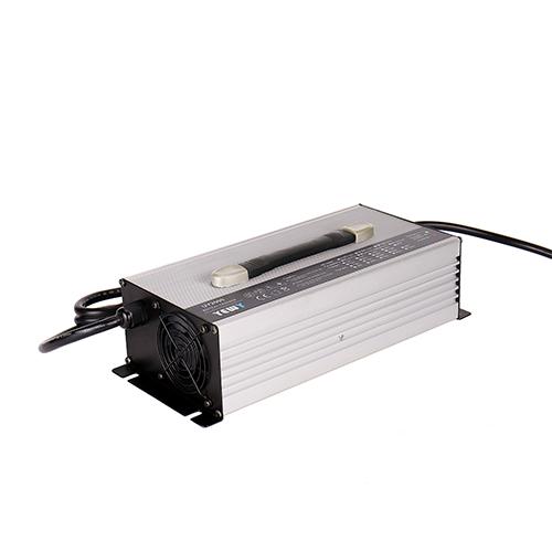 洗地机电池充电器