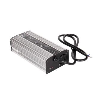 UY360L通用型充电器
